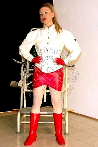 Dominatrix Mistress Herrin Roxana DACHAU 01715125250